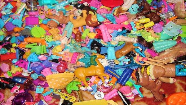 おもちゃセットにNO! 英国の姉妹がファストフードのプラスチック玩具廃止を...