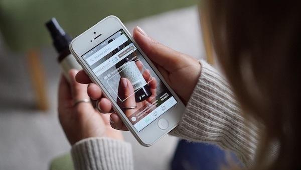商品にスマホをかざすだけ 体や地球にやさしい商品がわかるアプリ