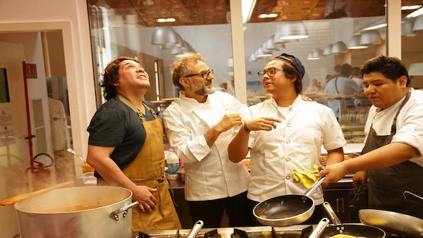 世界に広がる自宅隔離に楽しみを イタリア三つ星シェフが料理動画をインスタ配信